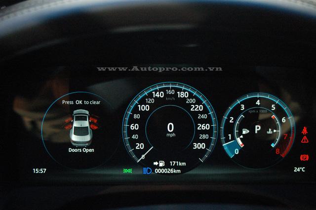 Xe sang Jaguar XF Minh Nhựa mua tặng vợ đã có biển số - Ảnh 6.