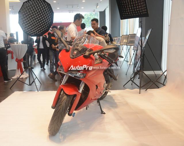 Cặp đôi Ducati SuperSport 2017 ra mắt tại Việt Nam, giá từ 514 triệu Đồng - Ảnh 2.