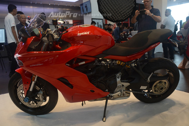 Cặp đôi Ducati SuperSport 2017 ra mắt tại Việt Nam, giá từ 514 triệu Đồng - Ảnh 8.