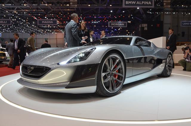Cựu ngôi sao Top Gear phá nát siêu xe Rimac Concept One mạnh 1.088 mã lực - Ảnh 5.