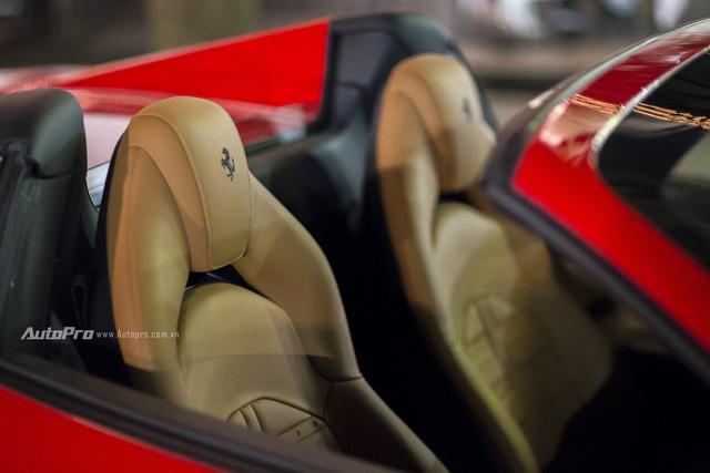 Ferrari 488 Spider đầu tiên tại Việt Nam được cho ra biển số - Ảnh 9.