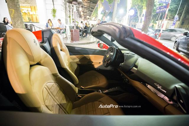 Ferrari 488 Spider đầu tiên tại Việt Nam được cho ra biển số - Ảnh 7.