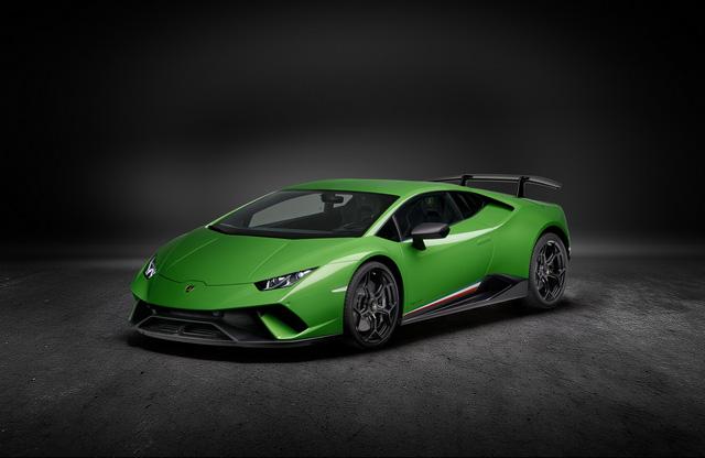 Lamborghini Huracan Performante Spyder lần đầu bị bắt gặp lăn bánh trên phố - Ảnh 3.