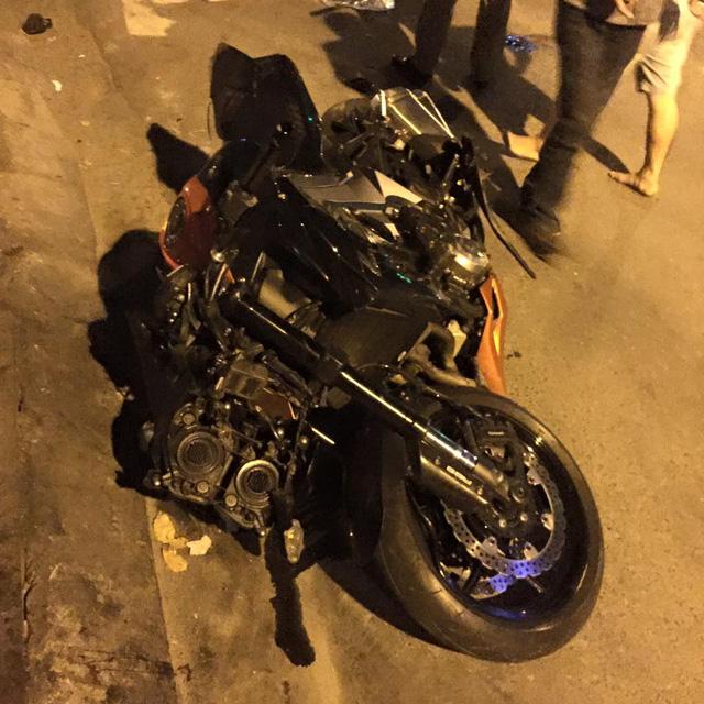 Lâm Đồng: Ôm cua quá đà, biker cùng chiếc Kawasaki Z1000 lao xuống bãi cỏ trên đèo Bảo Lộc - Ảnh 5.