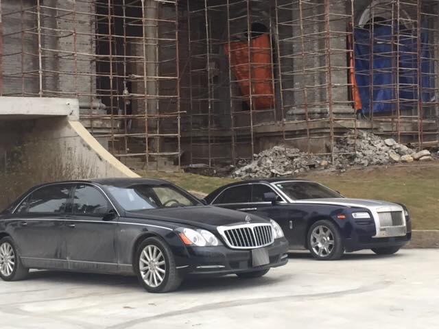 Dàn xe siêu sang khủng nhất Việt Nam xuất hiện trong đám cưới của thiếu gia Ninh Bình - Ảnh 6.