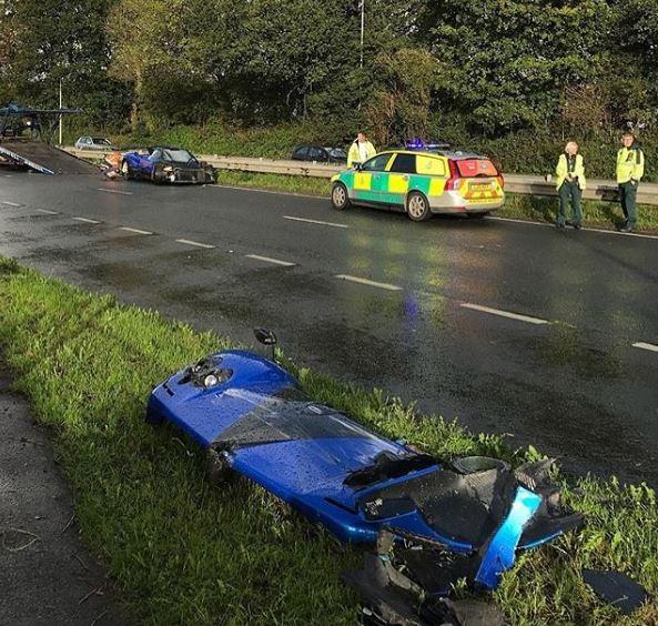 Pagani Zonda PS 760 của đại gia ngành phụ kiện máy bay gặp nạn, mất một phần đầu xe - Ảnh 1.