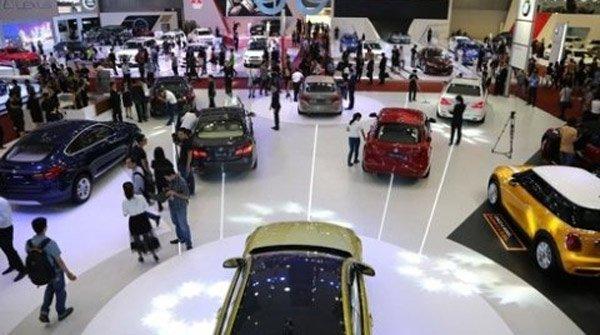 Ô tô giảm giá trăm triệu: Vợ ưng, con thích chốt luôn xe 1 tỷ - Ảnh 1.