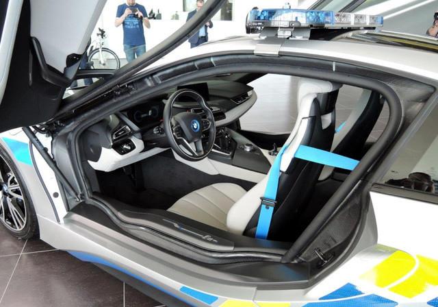 Chẳng ai dám mua, ô tô hybrid khó sống ở Việt Nam - Ảnh 1.