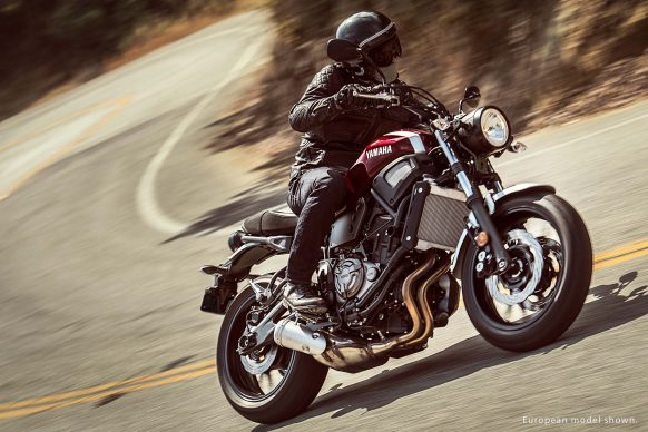 Mô tô hoài cổ Yamaha XSR700 2018 có giá 194 triệu Đồng - Ảnh 1.