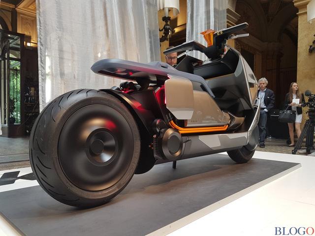 BMW Concept Link - Scooter nhưng tiện nghi như ô tô - Ảnh 8.