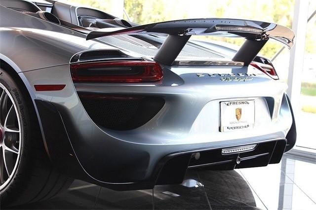 Vẻ đẹp siêu xe Porsche 918 Spyder với tùy chọn màu sơn đắt đỏ trị giá 1,45 tỷ Đồng - Ảnh 14.