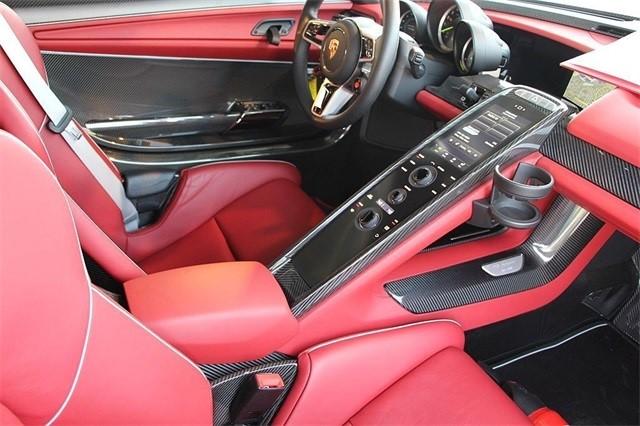 Vẻ đẹp siêu xe Porsche 918 Spyder với tùy chọn màu sơn đắt đỏ trị giá 1,45 tỷ Đồng - Ảnh 9.