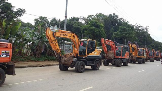 Choáng màn rước dâu bằng 15 chiếc xe cứu hộ ở Vĩnh Phúc - Ảnh 5.