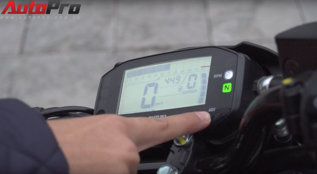 [Video] Hướng dẫn thay đổi mức báo tua máy trên Suzuki GSX-R150/S150 - Ảnh 6.