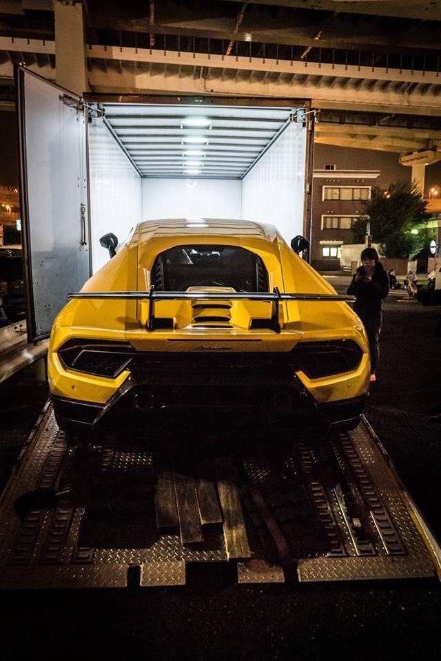 Lamborghini Huracan Performante cập bến đất nước hoa anh đào - Ảnh 12.