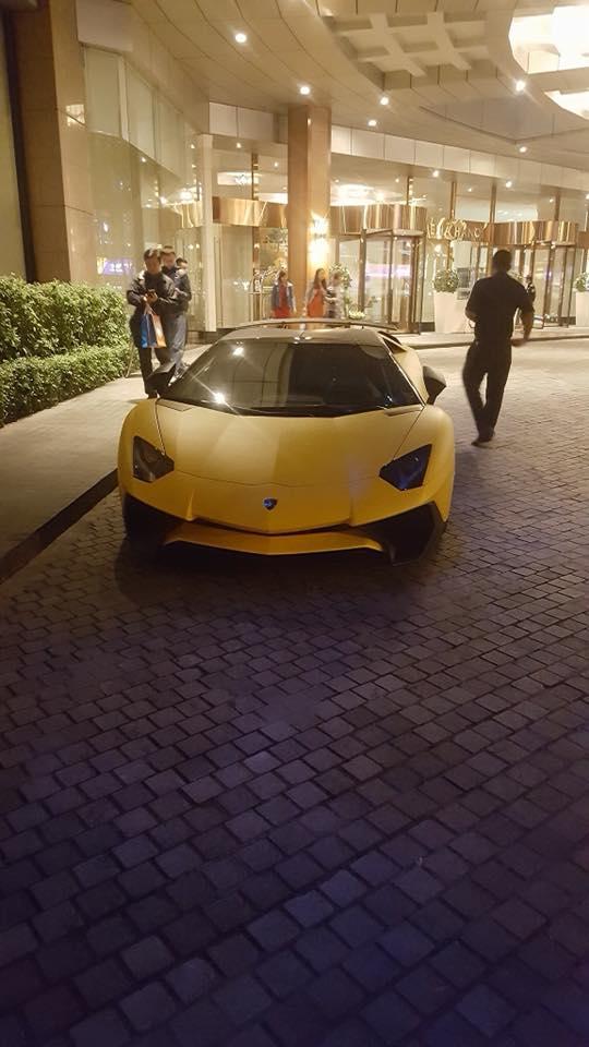 Lamborghini Aventador SV mui trần độc nhất Việt Nam tái xuất trên phố Hà thành - Ảnh 1.