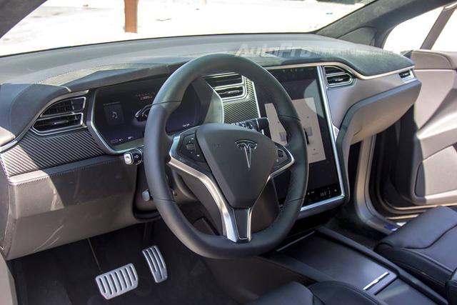 SUV điện Tesla Model X P100D độc nhất Việt Nam được cho đi đăng kiểm - Ảnh 7.