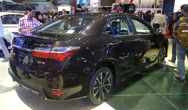 Toyota Corolla Altis 2017 giá từ 702 triệu Đồng sắp ra mắt tại Việt Nam - Ảnh 2.