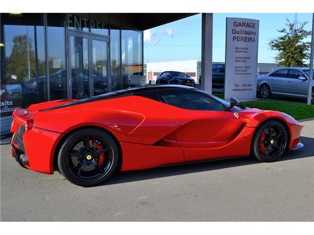 Đây là 2 chiếc Ferrari LaFerrari có giá điên rồ nhất thế giới, tổng giá trị gần 500 tỷ Đồng - Ảnh 4.