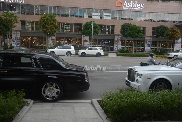 Hàng hiếm Rolls-Royce Phantom Rồng xuất hiện trong buổi khai trương một cửa hàng tại quận 2 - Ảnh 9.