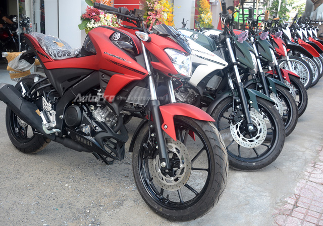 Cận cảnh lô xe côn tay Yamaha V-Ixion R 2017 mới về Việt Nam, giá hơn 70 triệu Đồng - Ảnh 1.