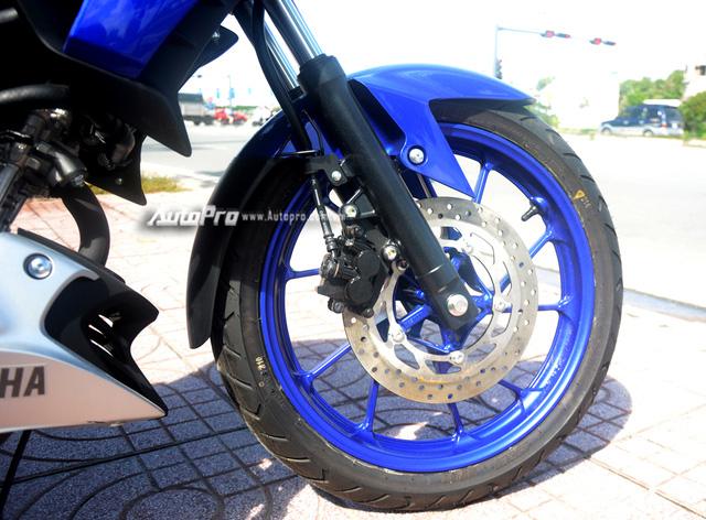 Cận cảnh lô xe côn tay Yamaha V-Ixion R 2017 mới về Việt Nam, giá hơn 70 triệu Đồng - Ảnh 17.