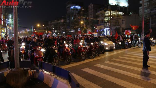 Dù U23 Việt Nam vô địch hay không, hãy xuống đường cổ vũ có văn hoá - Ảnh 6.