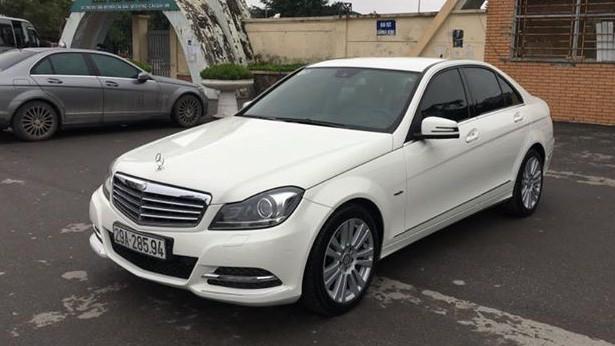 Có 740 triệu đồng, chọn Mazda3 2.0 mới hay Mercedes-Benz C250 2012? - Ảnh 1.