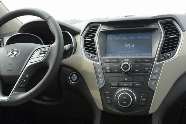 SUV 7 chỗ, chọn Honda CR-V 2018 hay Hyundai Santa Fe 2017? - Ảnh 11.