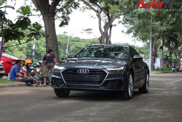 Những mẫu xe hot nhất Triển lãm Ô tô Việt Nam 2018 đã tề tựu đông đủ - Ảnh 1.