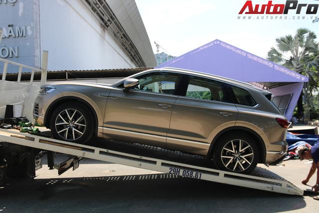 Volkswagen Touareg có mặt tại Sài Gòn, chuẩn bị cho Triển lãm Ô tô Việt Nam 2018 - Ảnh 2.