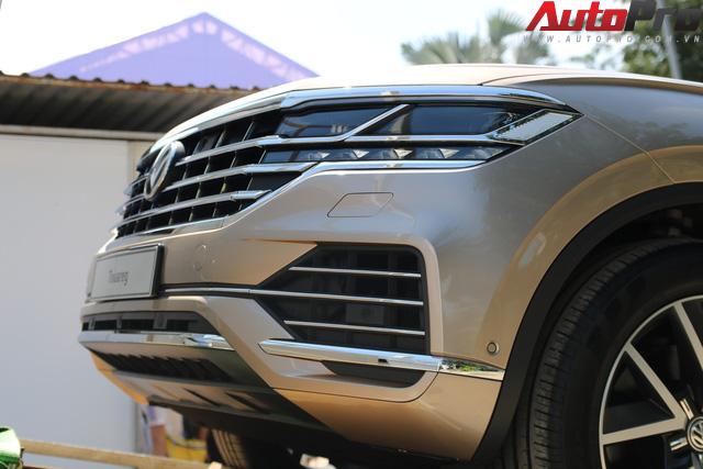 Volkswagen Touareg có mặt tại Sài Gòn, chuẩn bị cho Triển lãm Ô tô Việt Nam 2018 - Ảnh 4.