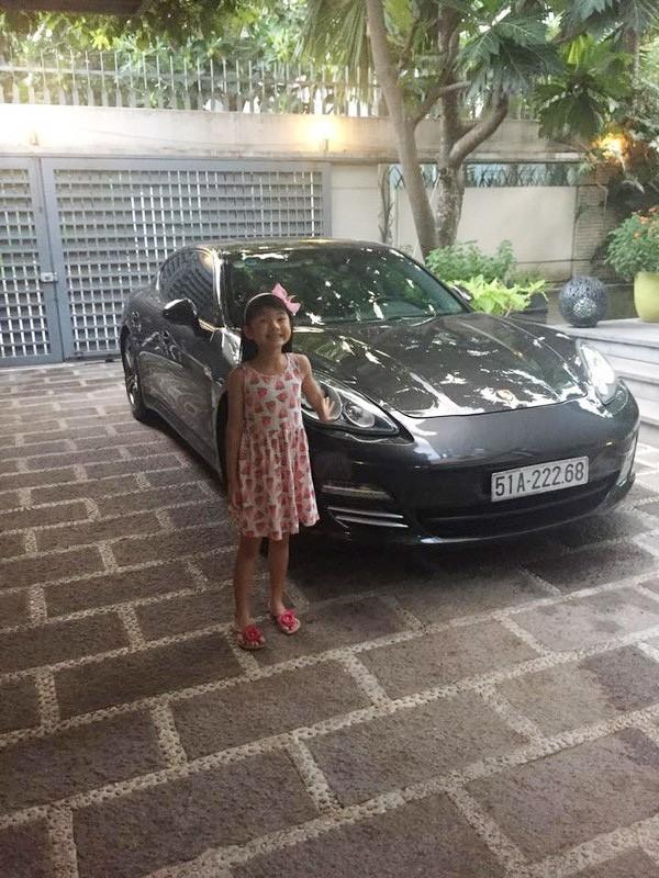 """""""Rich kid"""" chính hiệu của Vbiz : Sống trong biệt thự triệu đô, được tặng xe hơi mừng sinh nhật - Ảnh 9."""