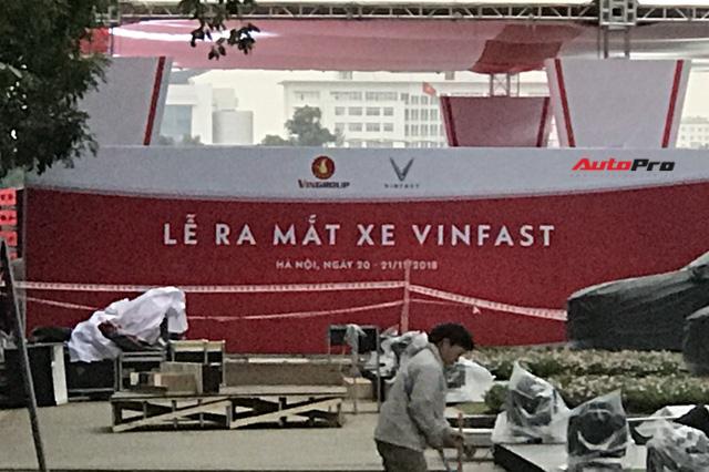 Dàn ô tô VinFast có mặt tại công viên Thống Nhất, sẵn sàng cho sự kiện ra mắt - Ảnh 7.