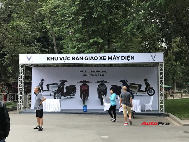 Dàn ô tô VinFast có mặt tại công viên Thống Nhất, sẵn sàng cho sự kiện ra mắt - Ảnh 14.