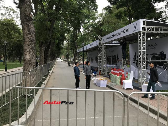 Dàn ô tô VinFast có mặt tại công viên Thống Nhất, sẵn sàng cho sự kiện ra mắt - Ảnh 13.