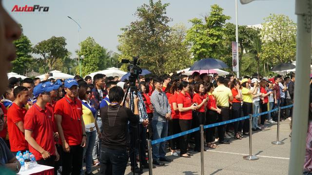 Loạt xe máy điện thông minh VinFast chạy thử tại Hà Nội ngay sau khi ra mắt - Ảnh 5.
