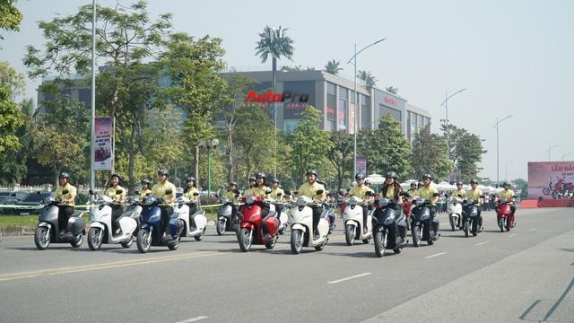 Loạt xe máy điện thông minh VinFast chạy thử tại Hà Nội ngay sau khi ra mắt - Ảnh 10.