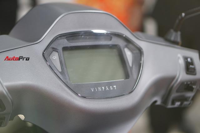 2 phiên bản xe máy điện VinFast Klara mới ra mắt khác nhau như thế nào? - Ảnh 2.