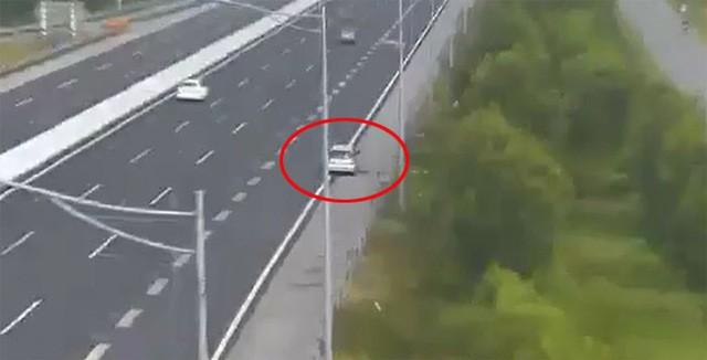 Video: Ô tô đi lùi hơn 1km trên cao tốc Hà Nội – Hải Phòng  - Ảnh 2.