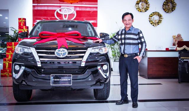 Chán Nissan X-Trail, danh hài Quang Tèo tậu Toyota Fortuner chơi Tết - Ảnh 3.