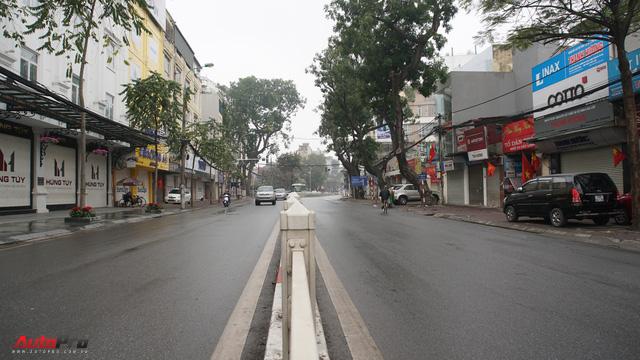 Sớm đầu năm Mậu Tuất - một bức tranh giao thông Hà Nội thật khác - Ảnh 3.