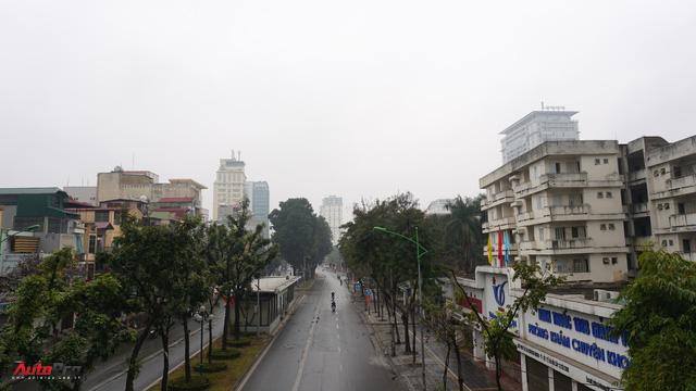 Sớm đầu năm Mậu Tuất - một bức tranh giao thông Hà Nội thật khác - Ảnh 4.