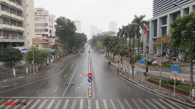 Sớm đầu năm Mậu Tuất - một bức tranh giao thông Hà Nội thật khác - Ảnh 2.