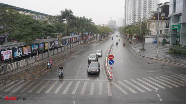 Sớm đầu năm Mậu Tuất - một bức tranh giao thông Hà Nội thật khác - Ảnh 7.