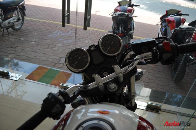 Chi tiết Honda CB400 Super Four bản đặc biệt tại Việt Nam, giá gần 400 triệu đồng - Ảnh 6.