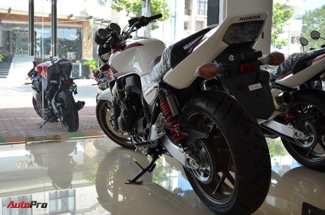 Chi tiết Honda CB400 Super Four bản đặc biệt tại Việt Nam, giá gần 400 triệu đồng - Ảnh 5.