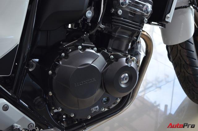 Chi tiết Honda CB400 Super Four bản đặc biệt tại Việt Nam, giá gần 400 triệu đồng - Ảnh 11.