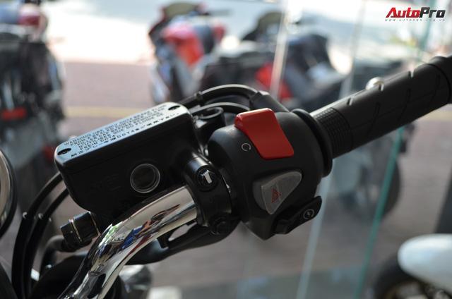 Chi tiết Honda CB400 Super Four bản đặc biệt tại Việt Nam, giá gần 400 triệu đồng - Ảnh 8.