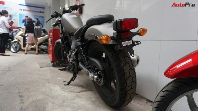 Honda Rebel 300 ngày đầu bán tại Việt Nam: Lạc lõng, không bị thổi giá nhưng khan hàng - Ảnh 6.
